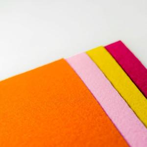 Набор фетра 4 больших листа в желто-оранжевых тонах...