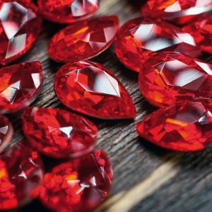 Кабошон стеклянный с гранями, капля, ярко-красный, 14х1...