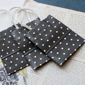 Пакет подарочный бумажный, 15x11x6 см...