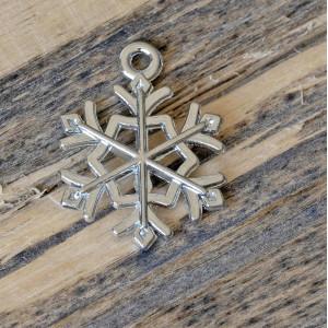 Подвеска металлическая в виде снежинки, цвет платина, 2...