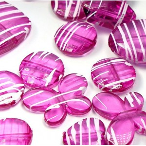 Набор из акриловых бусин  разной формы, цвет - фуксия...