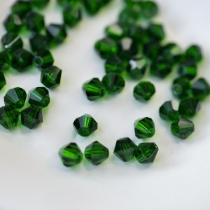 Бусина биконус стеклянная, темный зеленый, 6 мм...