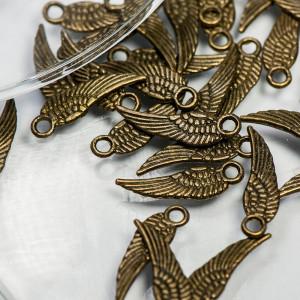 Подвеска металлическая в виде крыла, античная бронза, 1...