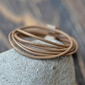 Шнур кожаный, цвет коричневый светлый, диаметр 1.5 мм...