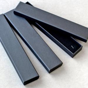 Коробка длинная, черный, с подложкой, 210х40х20 мм...
