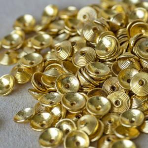 Чашечка (шапочка) для бусин, цв. золото, 10х3 мм...
