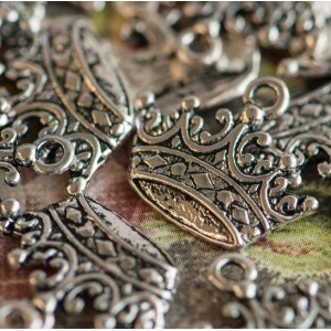 Подвеска металлическая в виде короны, античное серебро,...