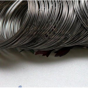 Проволока стальная для браслетов, с памятью, цвет сталь...