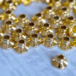 Шапочка для бусин, цв. золотой, 6х4 мм...