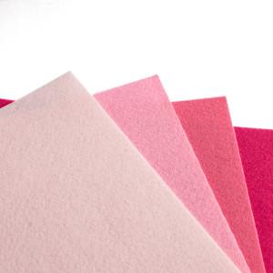 Набор фетра 4 листа в розовых оттенках...