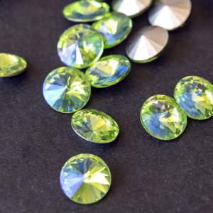 Кабошон стеклянный круглый Риволи, светлый зеленый раду...