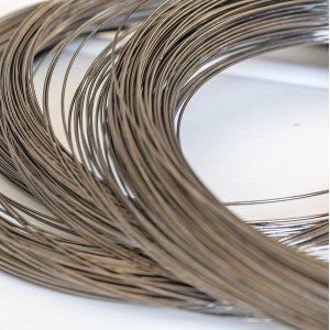 Проволока стальная для ожерелья, с памятью, цвет платин...