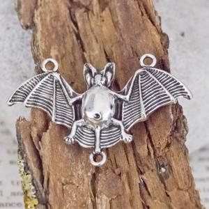 Коннектор в виде летучей мыши, цвет античное серебро, 30x47,5x5 мм