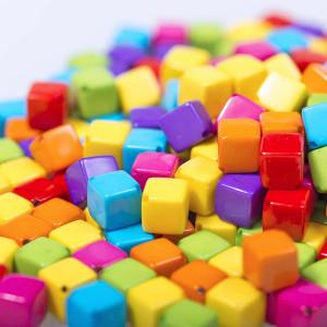 Бусина-кубик акриловая, цвет в асс., 8х8х8 мм...