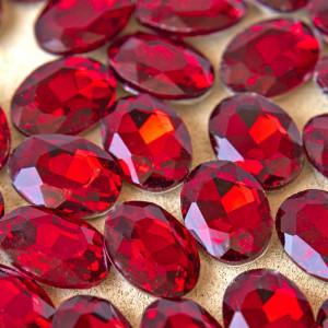 Кристаллы с фольгированной поверхностью, овал, красный,...