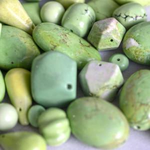 Бусина говлит синтетический, цвет желто-зеленый, разные...