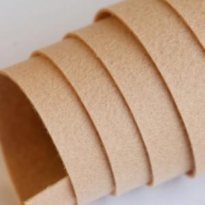 Корейский жесткий фетр цв.813, песочный, толщина 1,2 мм...