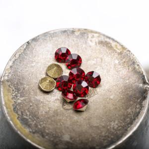 Стразы горный хрусталь, цвет глубокий красный, 2,8 мм (...