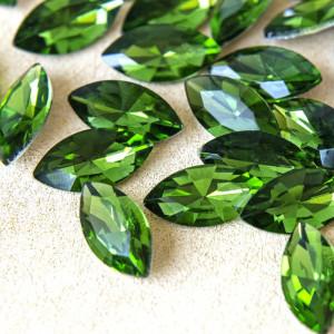Кабошон стеклянный с гранями, лодочка, насыщенно-зелены...