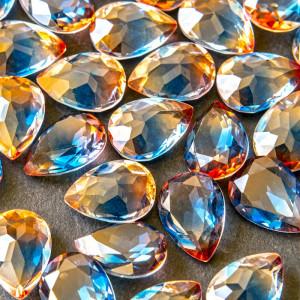 Кабошон стеклянный с гранями, капля,  оранжево-синий, 1...
