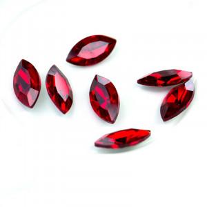 Кабошон стеклянный с гранями, капля, красный, 18х9 мм...