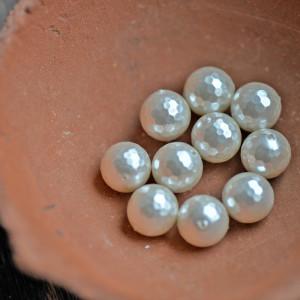 Ракушечный жемчуг круглый, граненый, цвет белый, 12 мм...