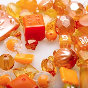 Набор из акриловых бусин разной формы, оранжевого цвета...