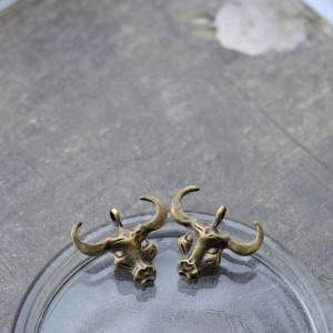 Подвеска металлическая в виде головы быка, цв. античная...