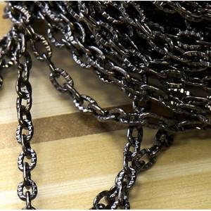 Цепочка для бижутерии, черного цвета, размер звена 1х3....