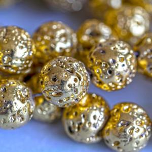 Бусина из натуральной лавы 10 мм, цвет золотистый...