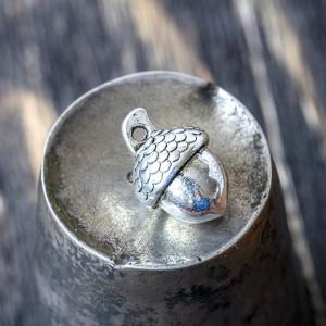 Подвеска металлическая в виде желудя, античное серебро,...