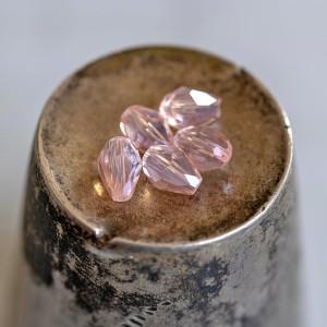 Бусина стеклянная граненая, розовый АВ, 6х4 мм...