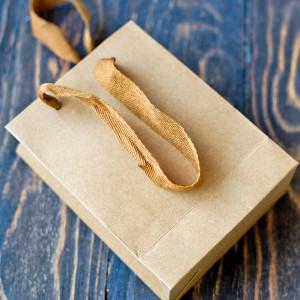 Пакет подарочный из крафт бумаги, 16х12 см...