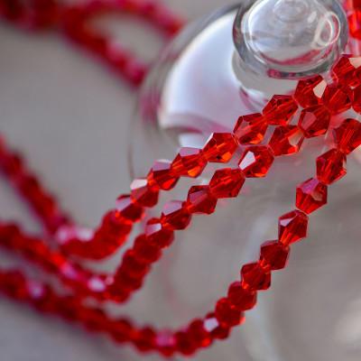 Бусина биконус стеклянная, красный, 8 мм