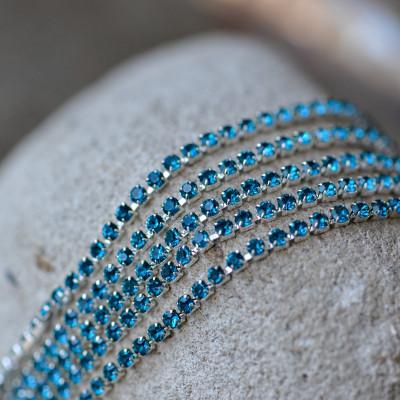 Цепочка для бижутерии со стразами, цвет Aquamarine/серебро, размер 2 мм