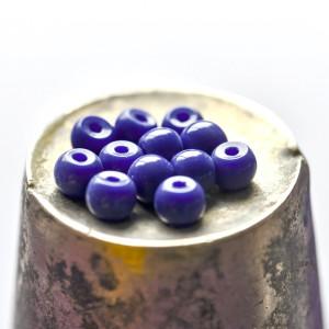 Бусина стеклянная окрашенная, синий с фиолетовым оттенк...