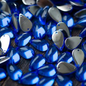 Стразы акриловые пришивные, синие, 15х9х6 мм...