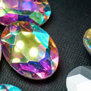 Кристаллы с фольгированной поверхностью, овал, прозрачн...