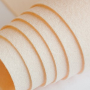 Корейский жесткий фетр цв.803, кремовый,  толщина 1,2 м...