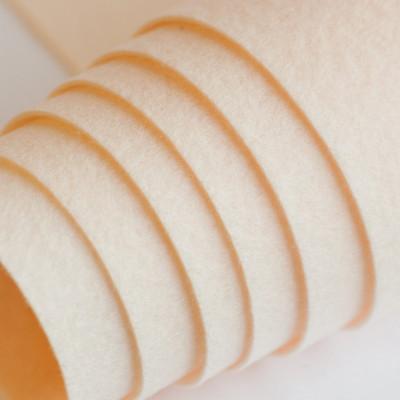 Корейский жесткий фетр цв.803, кремовый,  толщина 1,2 мм, погонный метр шириной 1,1 м