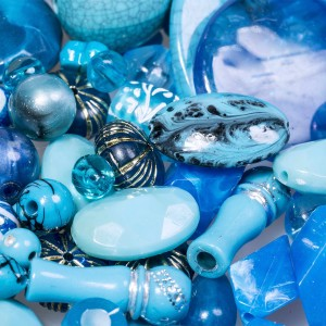 Набор из акриловых бусин разной формы, голубого цвета...