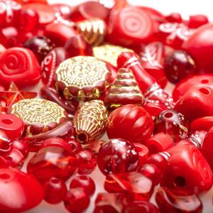 Набор из акриловых бусин разной формы, красного цвета...